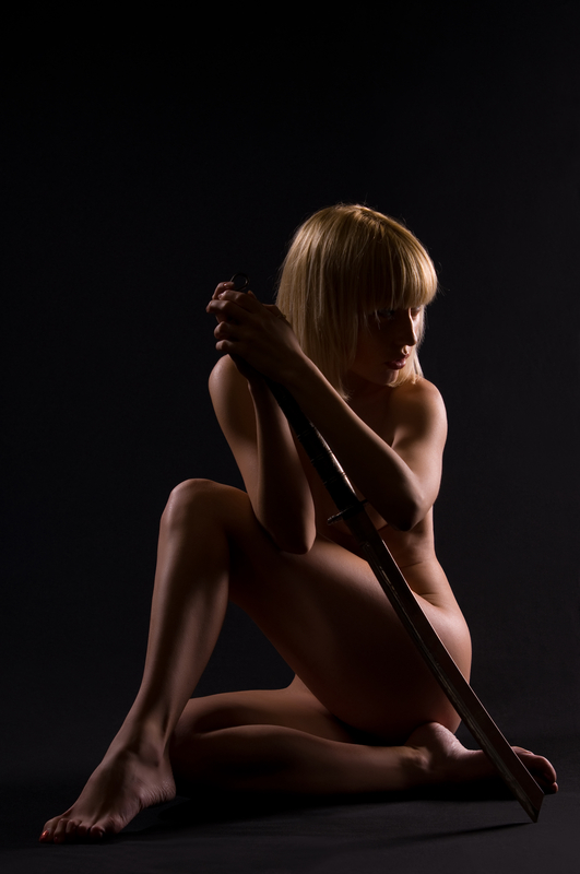 woman-naked-with-sword