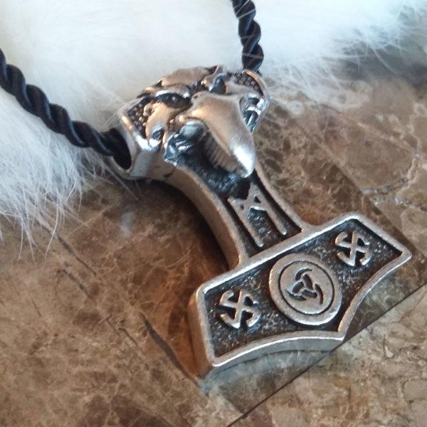 Mannaz Mjolnir Necklace 3